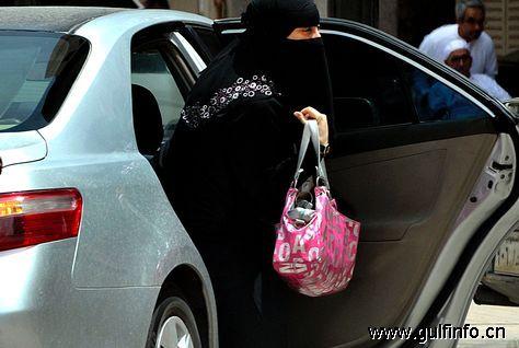 沙特王子阿尔·瓦利德称允许女性驾驶对国家有利