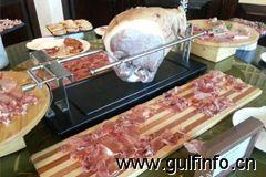 古堡酒店和宫里面的烤乳猪